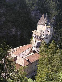 Eremo e santuario di San Romedio, Trento, Val di Non, Trentino Alto Adige