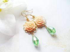 Gold plated earrings with peach flowers and green teardrop beads, Selma Dreams bridal jewelry, bridesmaids gifts, vintage inspired by SelmaDreams on Etsy