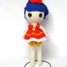 (English) Step-by-step written pattern for a Lalaloopsy amigurumi doll, English free pattern. Schema gratis per una bambola amigurumi in stile Lalaloopsy. Crochet Dolls Free Patterns, Amigurumi Patterns, Doll Patterns, Crochet Toys, Free Crochet, Human Doll, Crochet Basics, Cute Dolls, Crochet For Kids