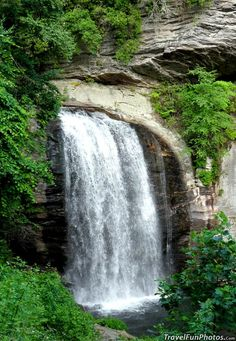 Looking Glass Falls in Pisgah National Forest, Ashville N. Carolina - USA