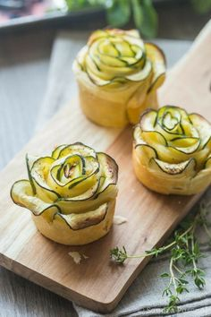 """In Just One Day This Simple Strategy Frees You From Complicated Diet Rules - And Eliminates Rebound Weight Gain Amazing Courgette """"Flowers"""" with fresh goat cheese and mint Cooking and baking is my Passion and I love to think about new recipes to impro Zucchini Flowers, Good Food, Yummy Food, Cooking Recipes, Healthy Recipes, Healthy Snacks, Fat Loss Diet, Stop Eating, Food Presentation"""