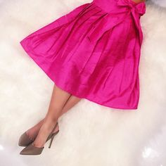 Here's a little pop of color for your Sunday! Loving this pink tea length Gypsy skirt! Perfect for your next dinner party or Valentine celebration! #tfssi