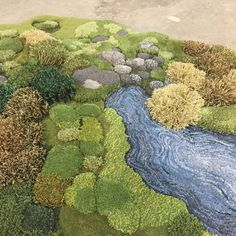 The artist and designer Alexandra Kehayoglou, based in Buenos Aires, imagines her carpets as true indoor gardens. Using the leftover from the family factory, Diy Carpet, Magic Carpet, Carpet Ideas, Cheap Carpet, Tapis Design, Textiles, Textile Artists, Rug Hooking, Floor Rugs