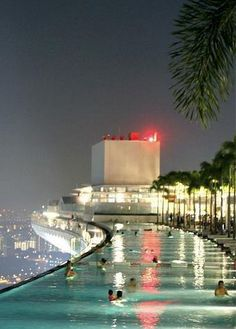 WOW!Pool on the 57th Floor of the Marina Bay Sands Casino in Singapore>>><3
