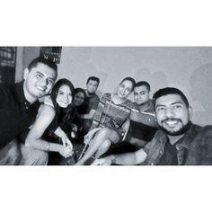 La vil nostalgia. #FilaDeAtrás #friends #nigth #universityfriends