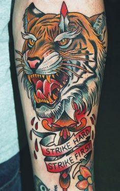 Tatuagens bem coloridas ficam ótimas!