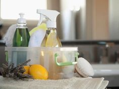 The Best Homemade Cleaning recipes. Avoid harmful chemicals and save money with effective homemade household cleaners using this collection of simple recipes. Diy Cleaners, Household Cleaners, Cleaners Homemade, Homemade Cleaning Supplies, Cleaning Recipes, Cleaning Hacks, Homemade Products, Cleaning Caddy, Cleaning Spray