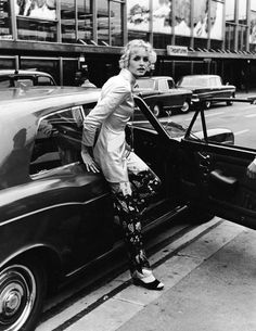 British model and actress Twiggy steps from a Rolls Royce car at an airport shortly after retiring from modelling, October 3, 1970.