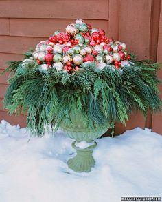 Flower pot/urn Christmas decoration