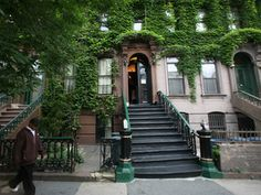 Langston Hughes' Harlem Home May Get Its Own Renaissance — As An Art Center Emmett Till, National Landmarks, Essence Festival, Langston Hughes, National Poetry Month, Capacity Building, Harriet Tubman, Harlem Renaissance, Episcopal Church