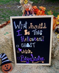 A cute and easy way to announce your pregnancy during fall! All you need is liquid chalk and a pumpkin patch! Mix the different fonts and decorate the… – Pregnancy Halloween Film, First Halloween, Halloween Games, Halloween Crafts, Creepy Halloween Decorations, Halloween Party Decor, Halloween Celebration, Birthday Party Invitations, Liquid Chalk