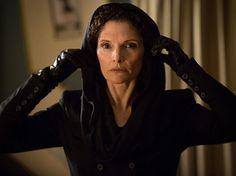 """Mary Elizabeth Mastrantonio in Grimm 1.22: """"Woman in Black""""... Nick's Mom"""