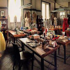 En el taller de las Galerías Velvet se está 'cosiendo' la cuarta temporada de #Velvet #Velvet4