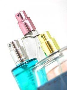 Gesundheitsrisiko Parfüm-Kopien aus dem Urlaub