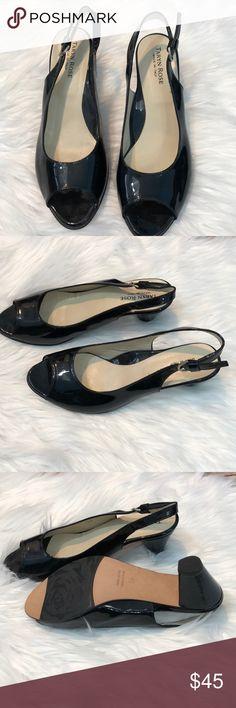 """Taryn Rose Patent Leather Black Peep Toe Heel 8 Taryn Rose Peep Toe Black Patent Leather Heel Size 8 EUR 39 Heel is 2.5"""" Made in Italy Taryn Rose Shoes Heels"""