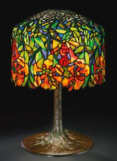 Louis Comfort Tiffany Dichroic trumpet creeper leaded glass and bronze table lamp. Stained Glass Lamp Shades, Tiffany Stained Glass, Tiffany Glass, Stained Glass Art, Mosaic Glass, Louis Comfort Tiffany, Tiffany Kunst, Tiffany Art, Art Antique