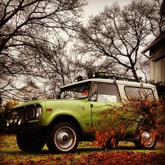 International Harvester Scout. Awesome photo.