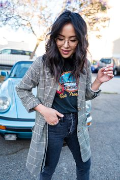 How-to-Wear-a-Check-Blazer-Grafik-Tee-Gucci-Jordaan-Mokassins # Modetrends . Blazer Outfits, Fall Outfits, Cute Outfits, Graphic Tee Outfits, Graphic Tees, Constance Wu, Carla Diaz, Gucci Jordaan Loafer, Glasses Outfit