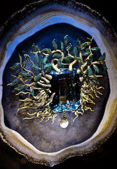 Dali - Jewels - Tree - photo CBrewin