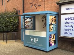 Free-standing retail kiosks for outdoor settings. Flexible designs cater for a variety of uses. Food Stall Design, Food Cart Design, Food Truck Design, Kiosk Design, Cafe Design, Mobile Coffee Shop, Mini Cafe, Food Kiosk, Tea Cafe