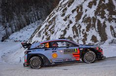 Thierry Neuville of Belgium and Nicolas Gilsoul of Belgium compete in their Hyundai Motorsport WRT Hyundai i20 coupè WRC during Day Three of the WRC Monte-Carlo on January 21, 2017 in Gap, France.