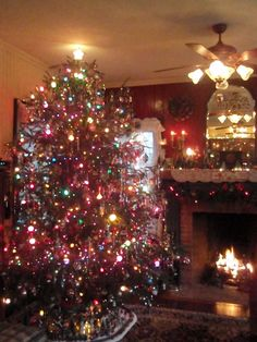 old-fashioned christmas tree | vintage, old fashioned christmas