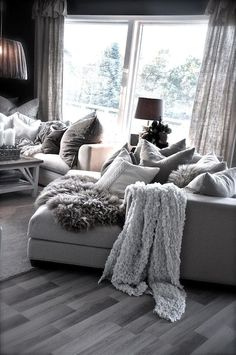 Splendid Home Decor – Living Room : Villapaprika! I want it! I want all things comfy and cozy! -Read More – The post Home Decor – Living Room : Villapaprika! I want it! I want all things com… appeared first on Home Decor Designs Trends . Cozy Living Rooms, Living Room Grey, Living Room Sofa, Apartment Living, Home And Living, Modern Living, Apartment Design, Small Living, Luxury Living