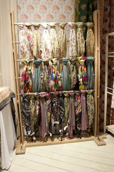 Could I do that with leggings? Clothing Boutique Interior, Boutique Interior Design, Boutique Decor, Boutique Stores, Deco Depot, Charity Shop Display Ideas, Scarf Display, Scarf Storage, Clothing Store Displays