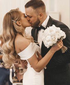 Bridal Hair Down, Wedding Hair Down, Wedding Hairstyles For Long Hair, Wedding Hair And Makeup, Wedding Beauty, Bride Hairstyles, Down Hairstyles, Dream Wedding, Wedding Looks