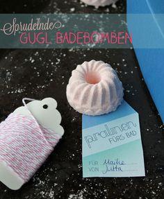 Geschenke DIY: Wir zeigen euch wie man Sprudelnde Badebomben selbermachen kann - das perfekte kleine Geschenk für die beste Freundin.