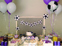 Mesa de dulces - Sweet Table - Candy Bar Real Madrid Real Madrid, Candy, Cool Stuff, Simple Gender Reveal, Cha Cha, Diapers, Log Projects, Soccer Birthday Parties, Theme Parties