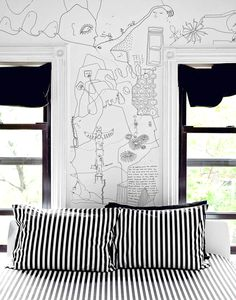 Shantell Martin - Artist drawing everywhere (ceramics, walls, clothes, shoes...)