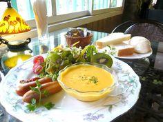 おいしい朝食を食べると、一日の良いスタートになりますね。避暑地・軽井沢では、数年前から朝食ブームが続いているようです。高原のすがすがしい空気の中で食べる焼き立てのパンや、地元でとれた新鮮な野菜をふんだんに使った朝食は絶品です。軽井沢でおいしい朝食が食べられるカフェやベーカリー・ホテルをご紹介します♪