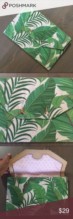 Stella & Dot City Slim Clutch- Green Botanical Canvas clutch with fun botanical leaf print. Pink polka dot interior with 6 credit card slots. Gold stud accents on front. Magnetic closure. Never used. Stella & Dot Bags Clutches & Wristlets