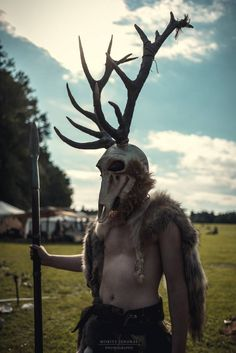 Here another great picture of the headpiece I've made for the Bracar Keltoi. Nico wears it at that LARP.  I have made it with Worbla's Finest Art and KobraCast Art from Cast4Art. In germany you can buy it from MyCostumes. :D  Foto by Moritz Jendral!