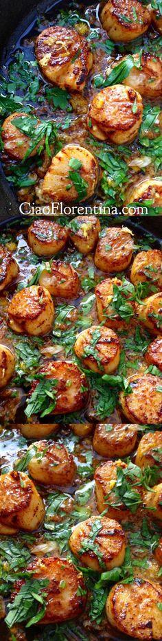 Garlic Scallops Recipe in Clarified Butter | CiaoFlorentina.com @CiaoFlorentina Fish Dishes, Seafood Dishes, Fish And Seafood, Seafood Recipes, Dinner Recipes, Cooking Recipes, Healthy Recipes, Seafood Pasta, Healthy Scallop Recipes