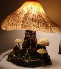 Rare MAGIC MUSHROOM LAMP COMPANY Pink & White Coral Shade Vintage Signed Lamp