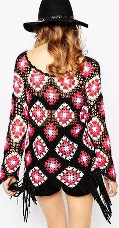 Fabulous Crochet a Little Black Crochet Dress Ideas. Georgeous Crochet a Little Black Crochet Dress Ideas. Crochet T Shirts, Crochet Cardigan, Crochet Clothes, Crochet Top, Fringe Fashion, Boho Fashion, Fashion Trends, Granny Square Sweater, Bohemian Mode