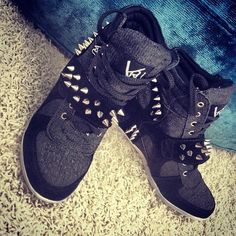 2014 cheap nike shoes for sale info collection off big discount.New nike roshe run,lebron james shoes,authentic jordans and nike foamposites 2014 online. Nike Free Shoes, Nike Shoes Outlet, Uggs, Baskets, Flipflops, Adidas, Shoe Sale, Swagg, Timberland Boots