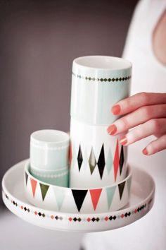 Pretty plates via German blogger Fraulein Klein