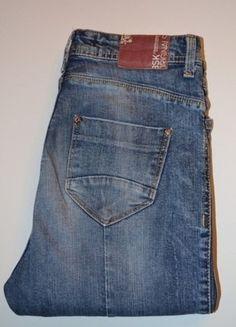 Kup mój przedmiot na #vintedpl http://www.vinted.pl/damska-odziez/dzinsy/17592812-jeansowe-spodnie-z-niskim-stanem-bershka
