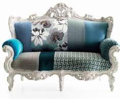 Another maj love seat....