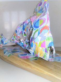 pesce tropical fish scultura filo di ferro carta pesta  / quotidiano / giornali colla vinilica sculpture creation in iron wire with papier-machè / newspaper for wall