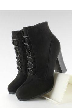 Heel boots model 63272 Inello. Size Insole lenght    36 23.5 cm   37 24 cm   38 25 cm   39 25.5 cm   40 26.5 cm   41 27 cm