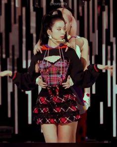 Black Pink Songs, Black Pink Kpop, Blackpink Jisoo, Arabic Baby Girl Names, Iu Hair, Pink Movies, Dance Kpop, K Pop, Blackpink Funny