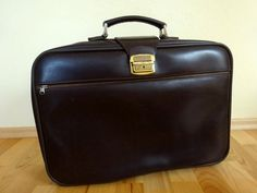 ITEM: Vintage Leather Suitcase Brown Luggage Flight Bag Dark Brown Suitcase Travel cms Have to say, this is a really nice example of a Flight Bag, Leather Suitcase, Antique Items, Vintage Leather, Really Cool Stuff, Dark Brown, Nice, Bags, Travel