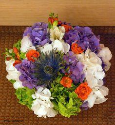 Flowers Garden Weddings: Aranjament floral de masa Garden Weddings, Centerpieces, Table Decorations, Flowers Garden, Floral Wreath, Wreaths, Blog, Home Decor, Center Pieces