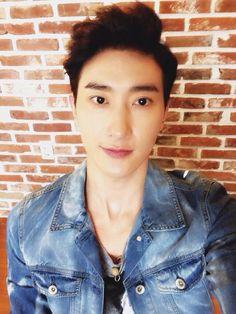 Zhoumi - Super Junior