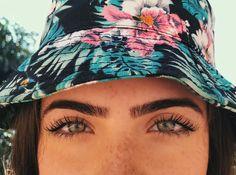 """115.4 mil curtidas, 663 comentários - jade picon  (@jadepicon) no Instagram: """"sardas, estrelas que fazem do seu rosto um universo ✨"""""""