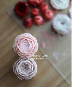 Done by me BETTER CAKE www.better-cakes.com Any inquiries about BETTER CLASS Mailbettercakes@naver.com Linebetter_cake FacebookBetter Cake Kakaotalkleesumin222 #buttercream#cake#베이킹#baking#bettercake#like#버터크림케익#베러케이크#cupcake#flower#꽃#sweet#플라워케익#koreabuttercream#wilton#앙금플라워#디저트#buttercreamcake#dessert#버터크림플라워케익#follow#partycake#koreancake#taiwan#윌튼#instacake#꽃스타그램#컵케이크#instafood#flowercake: